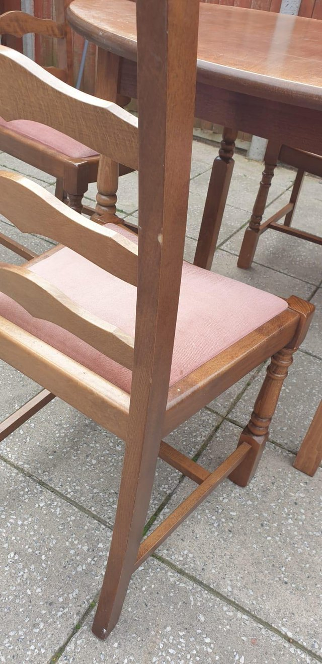 Image 11 of Retro classicdining table and chairs