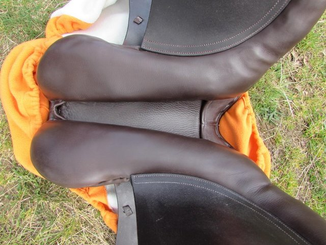 Image 11 of Stunning Barnsby 16 W Pony Club approved GP Saddle exc cond