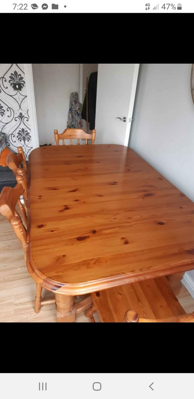 Preview of the first image of Classic country style farmhouse table and chairs.