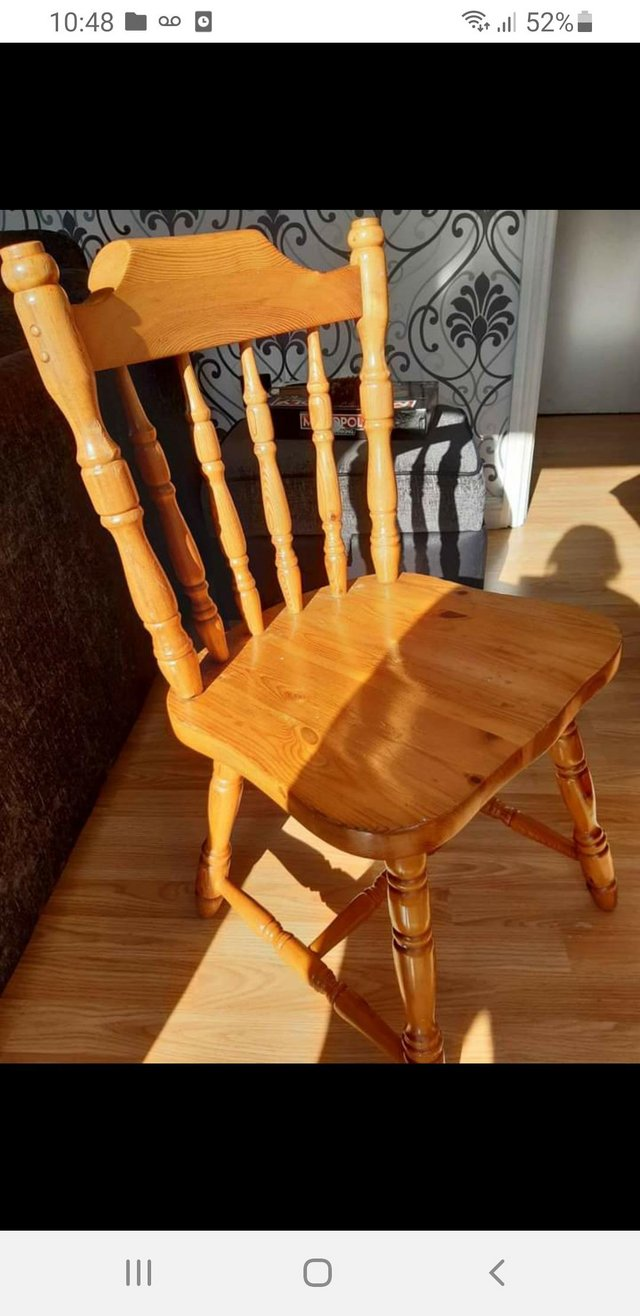 Image 2 of Classic country style farmhouse table and chairs