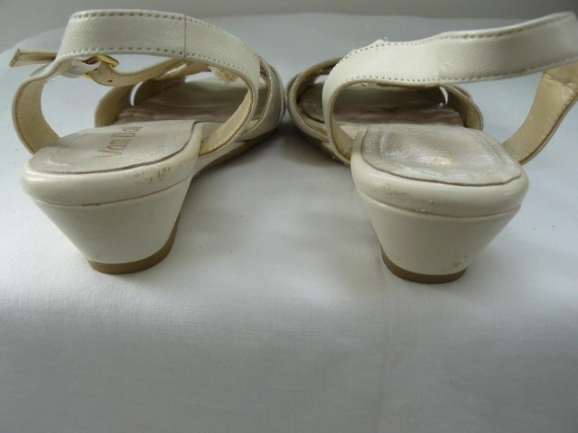"Image 3 of Van Dal ""Bonita"" pale cream &champagne leather sandals UK 5D"