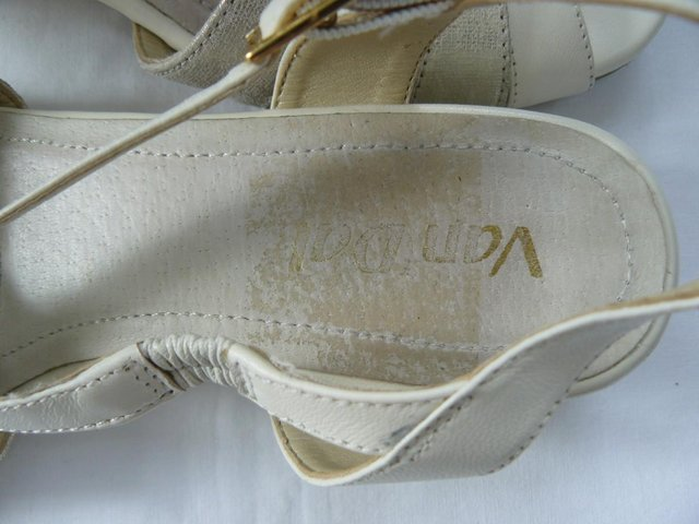 "Image 15 of Van Dal ""Bonita"" pale cream &champagne leather sandals UK 5D"