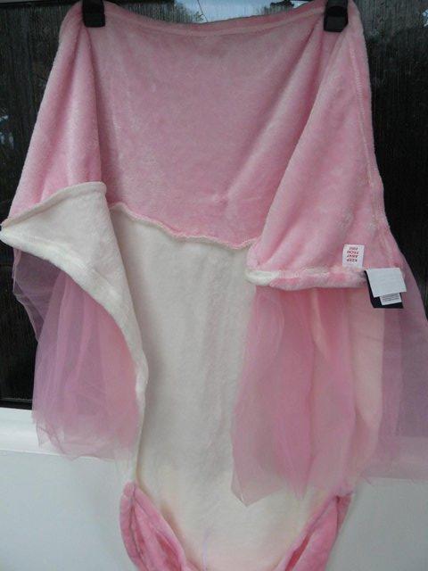 Image 13 of Cuddly Buddies pink & cream Soft Cosy Ballerina Footie Throw