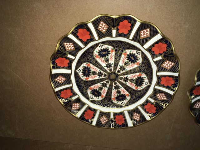 Preview of the first image of Royal Crown Derby Old Imari 1128 Scalloped Edge Wavey Plate.