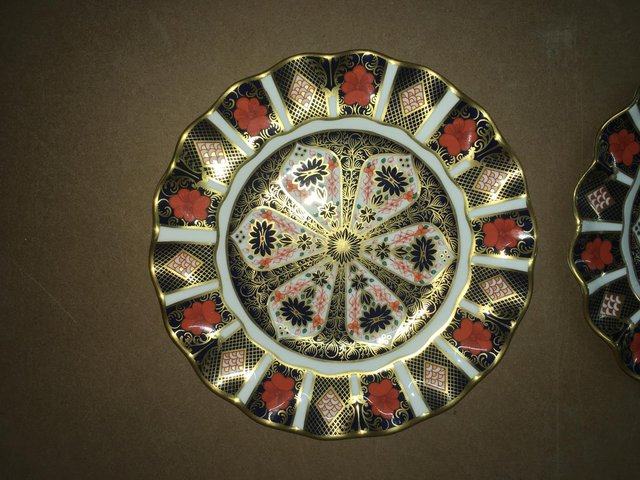 Image 2 of Royal Crown Derby Old Imari 1128 Scalloped Edge Wavey Plate