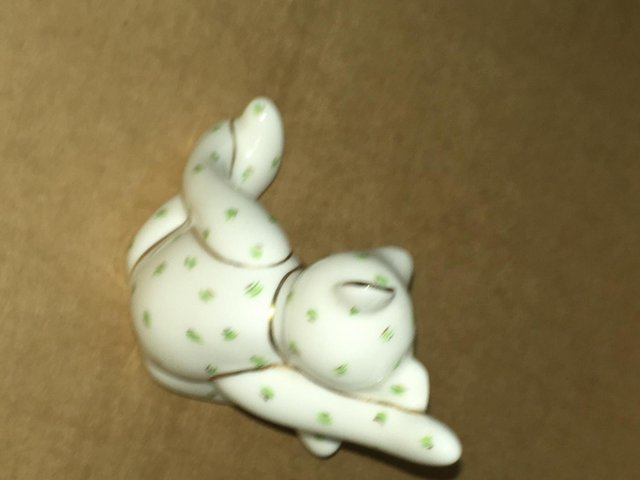 Image 3 of Boxed Royal Crown Derby Victoria Waving Bear Paperweight
