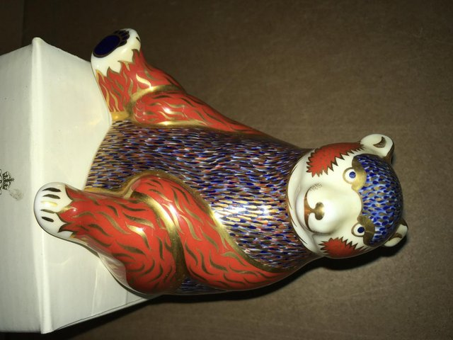 Image 2 of Boxed Royal Crown Derby Honey Bear Paperweight