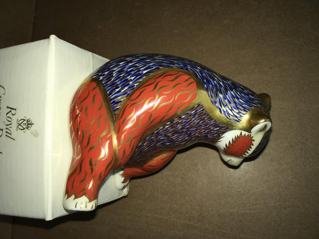 Image 3 of Boxed Royal Crown Derby Honey Bear Paperweight