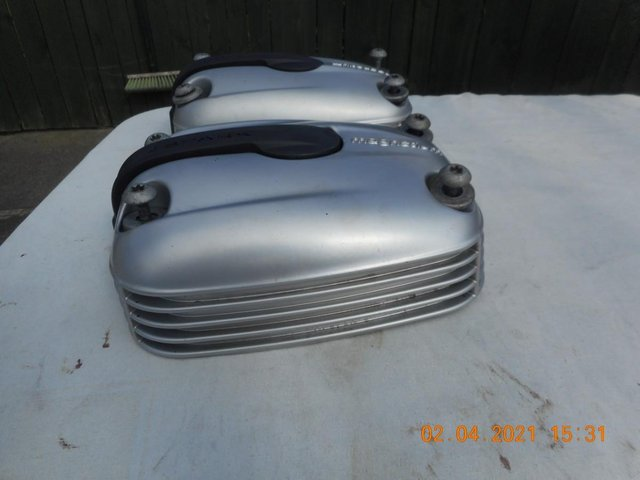 Image 7 of Cylinder Head Covers