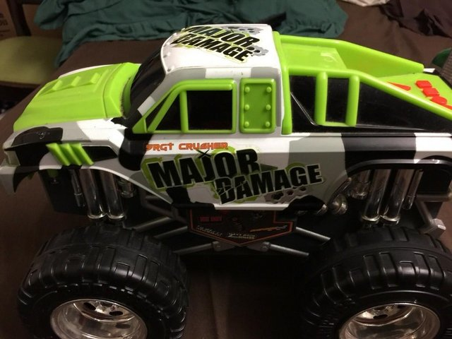 Preview of the first image of Toystate Bigfoot Road Rippers Light and Sound Big Foot 4X4 M.