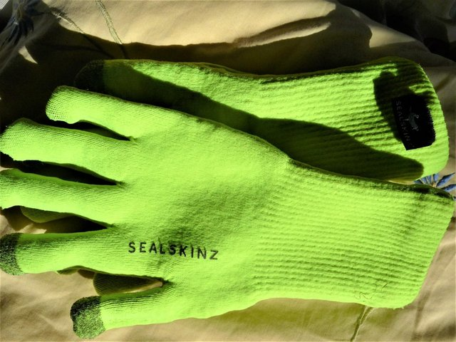 Image 3 of GLOVES - Waterproof Ultra Grip Knitted Glove from Sealskinz