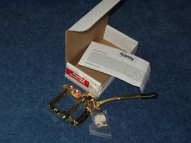 Preview of the first image of Bigsby B5G Gold Tremolo Unit.