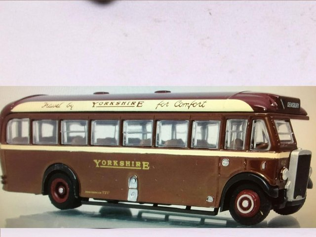 Image 2 of SCALE MODEL BUS: 1930s YORKSHIRE WOOLLEN LEYLAND TS8