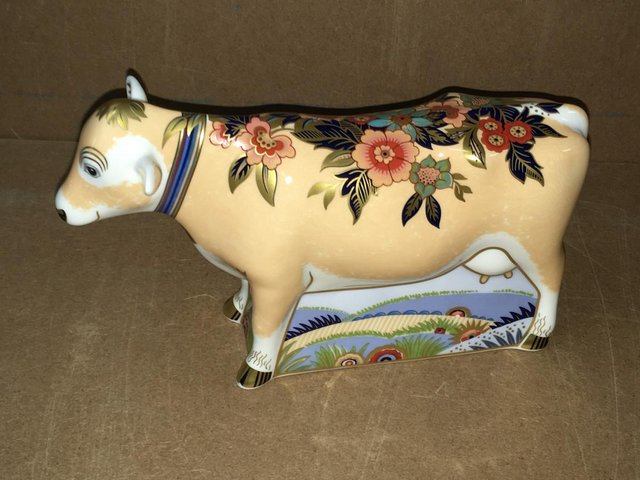 Image 2 of Boxed New Royal Crown Derby Farmyard Cow Paperweight