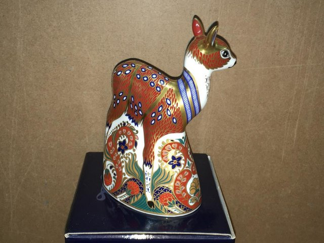 Image 3 of Boxed ROyal Crown Derby Fawn Paperweight
