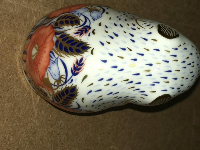Image 2 of Royal Crown Derby Poppy Mouse Paperweight