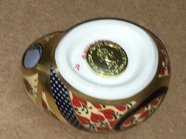 Image 3 of Royal Crown Derby Imari Country Mouse Paperweight