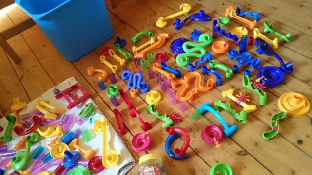 Image 5 of 180 piece set of original marble run with tub of marbles