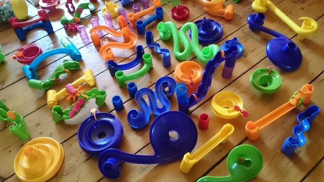 Image 8 of 180 piece set of original marble run with tub of marbles
