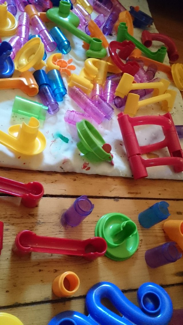 Image 10 of 180 piece set of original marble run with tub of marbles