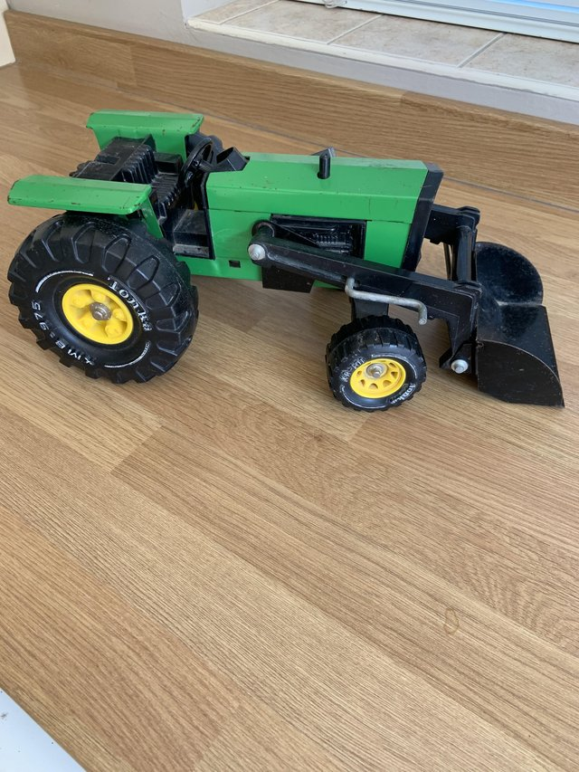 Preview of the first image of Vintage Tonka tractor.