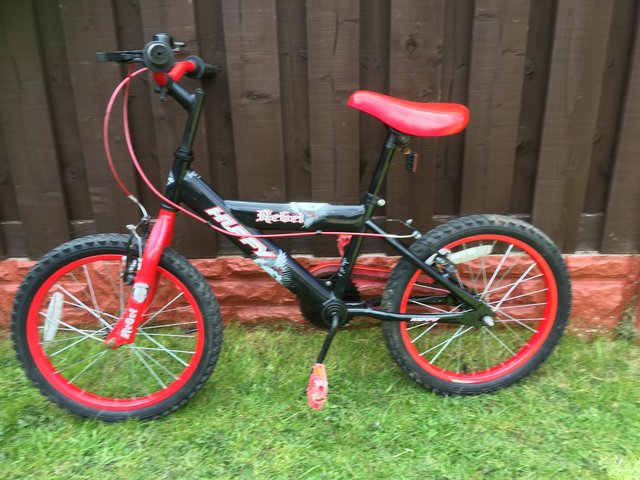 """Preview of the first image of Boys 18"""" bike huffy like new can deliver."""