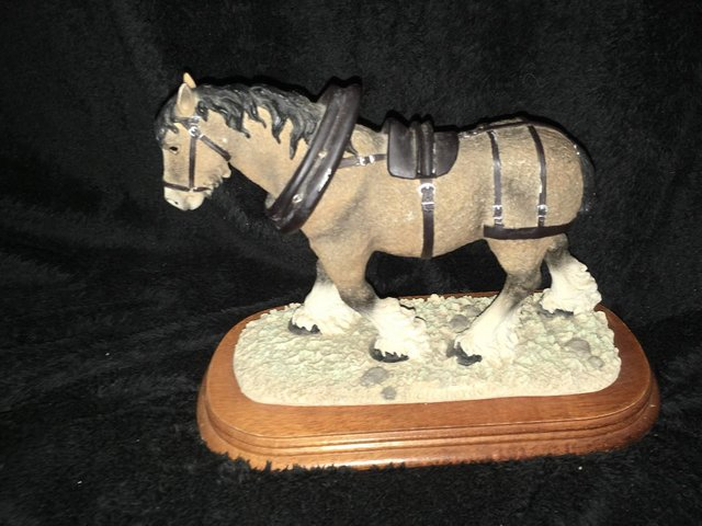Image 2 of Large vintage shire horse ornament on wooden plinth