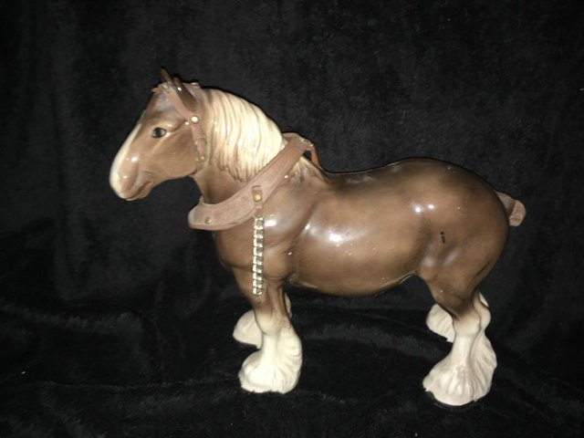 Image 3 of a large vintage shire horse ornament