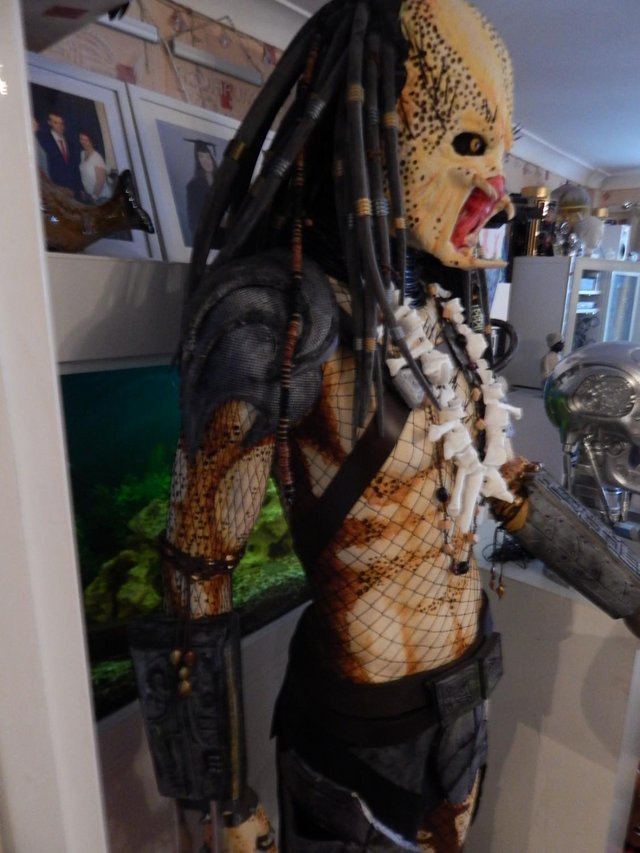 Image 2 of 6ft 7inc predator figure fan made