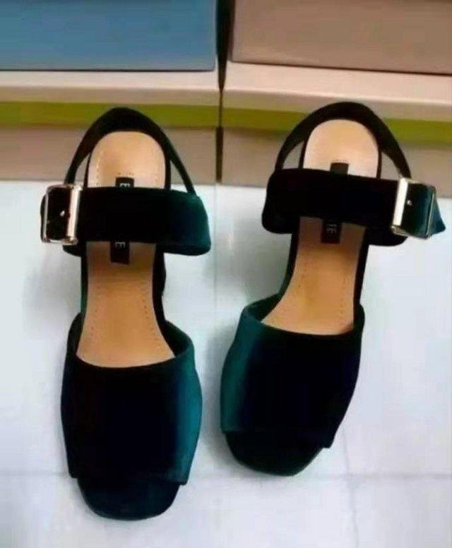 Image 2 of ****Size 3 high heels****