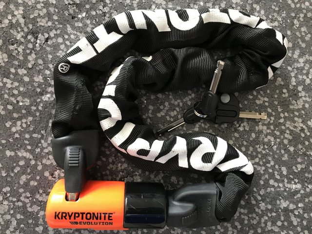 Preview of the first image of Kryptonite Evolution 4 Integrated 90cm Chain Lock.