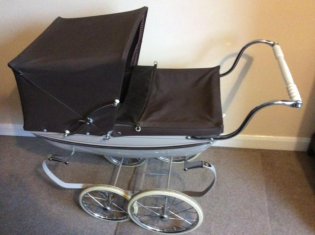 Preview of the first image of Silver Cross Doll's Pram.