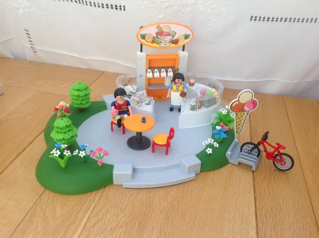 Preview of the first image of Playmobile Ice Cream Parlour.