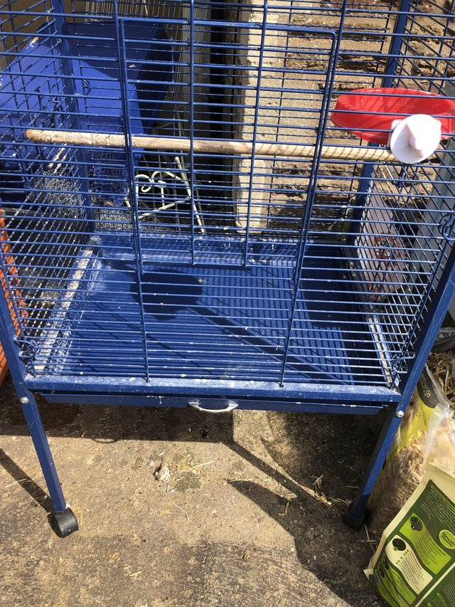 Image 3 of Large parrot cage