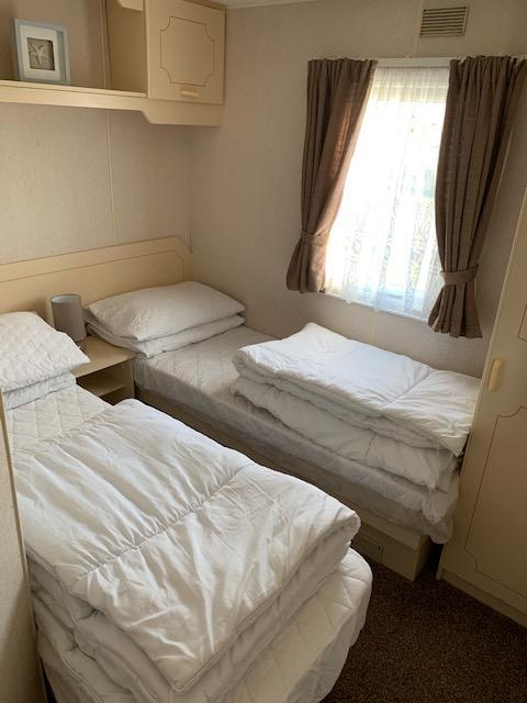 Image 3 of 3 Bedrooms 6 Berth Caravan For Hire Chaple St Leonards