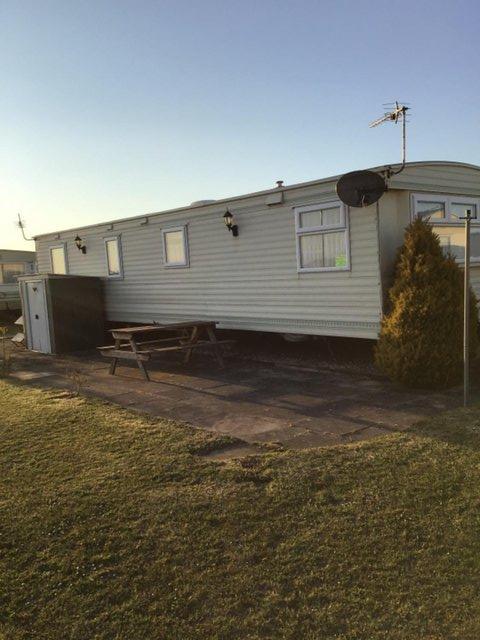 Image 2 of 3 Bedrooms 6 Berth Caravan For Hire Chaple St Leonards
