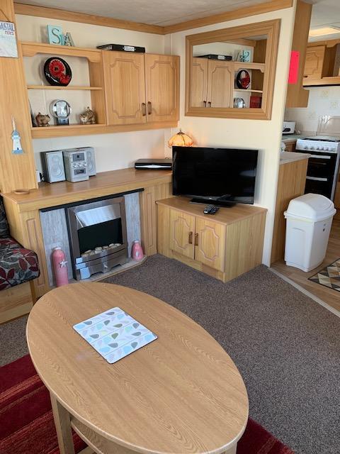 Image 6 of 3 Bedrooms 6 Berth Caravan For Hire Chaple St Leonards