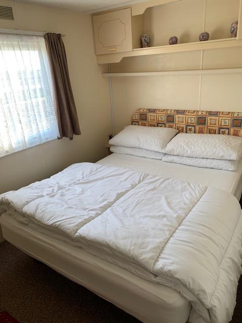 Image 7 of 3 Bedrooms 6 Berth Caravan For Hire Chaple St Leonards