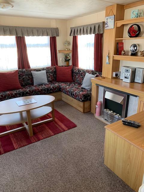 Image 10 of 3 Bedrooms 6 Berth Caravan For Hire Chaple St Leonards