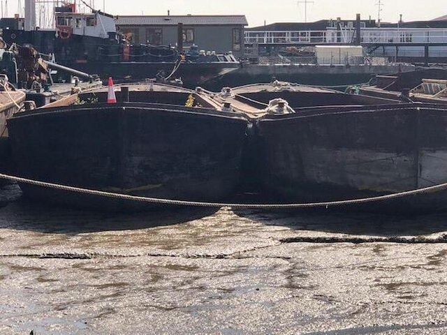 Preview of the first image of Barge 2 for Conversion.