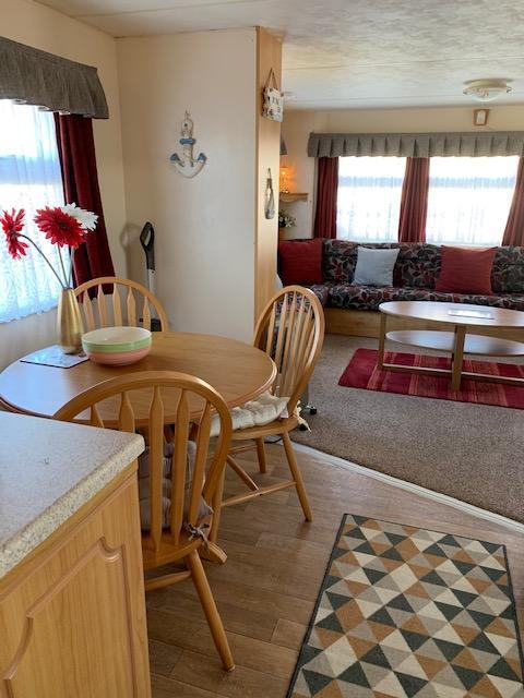 Image 10 of 3 Bedroom 6 Berth Caravan For Hire