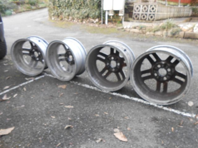 Image 2 of 4 X  Factory Alloy Wheels for a 2005 Fiesta Mk6