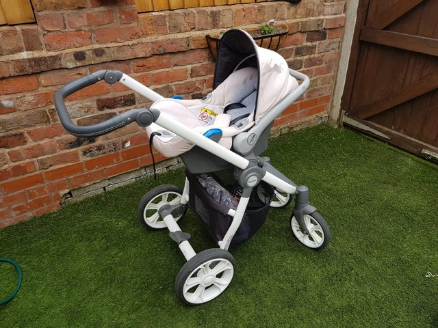 Preview of the first image of Babystyle Prestige Travel System.