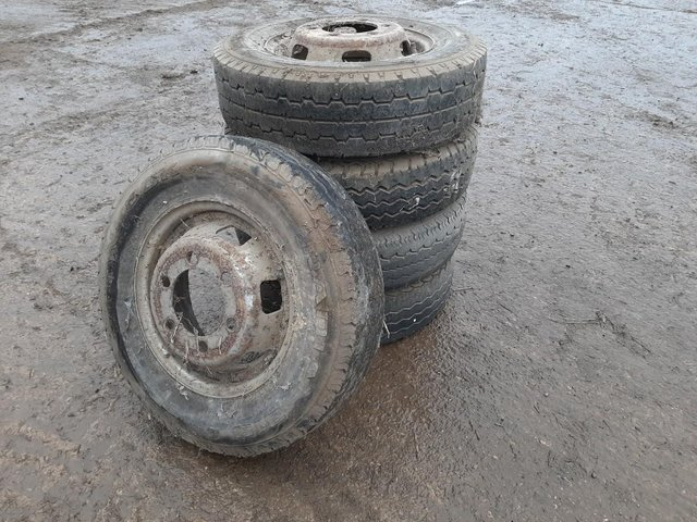 Image 3 of 5 x Ford Transit Tyres & Rims