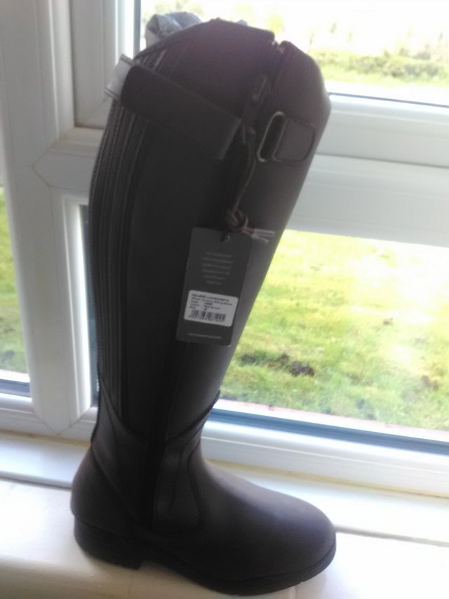 Image 2 of HY Londonderry boots