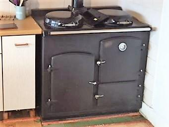Preview of the first image of dead Alpha,Rayburn 400 oil cooker or want a better one..