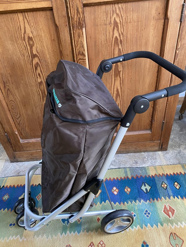 Preview of the first image of New shopping trolley.