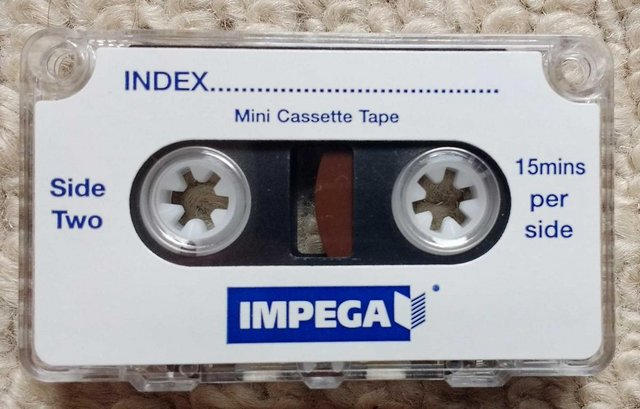 Image 9 of Sanyo TRC-3680 mini cassette voice recorder in pouch
