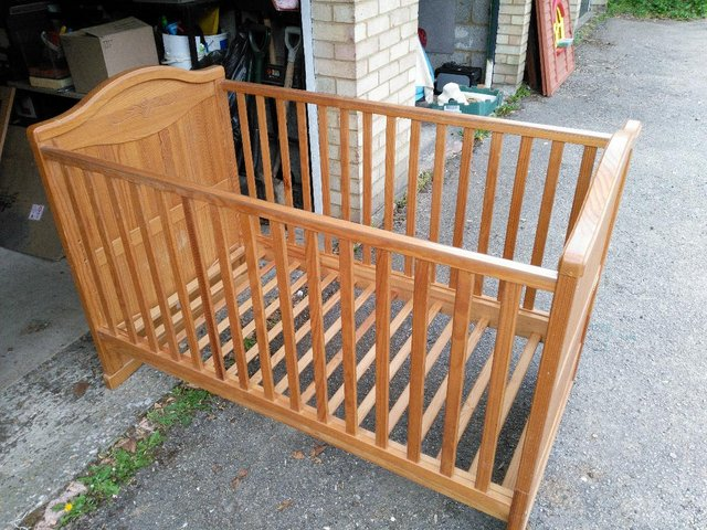 Preview of the first image of BebeCar Trama cot bed.