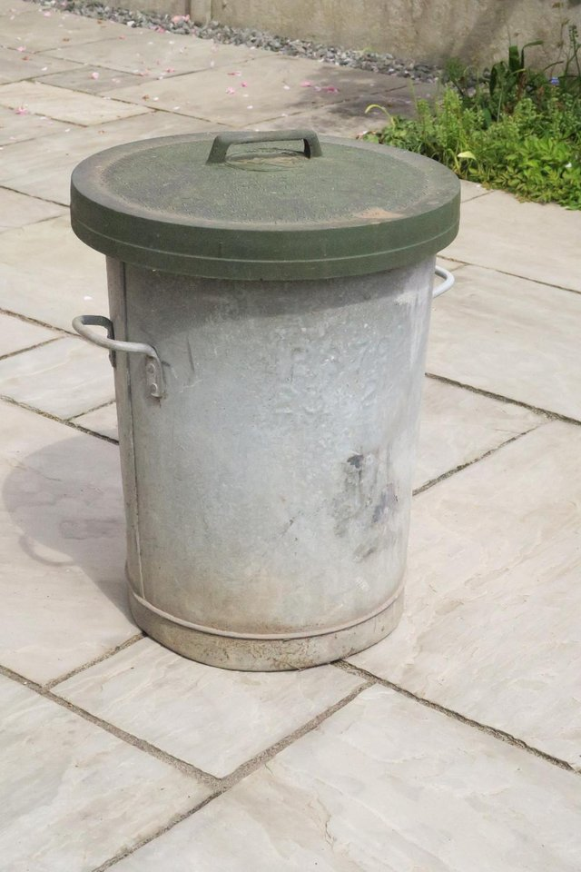 Preview of the first image of Vintage Metal Galvanized Dust Bin.
